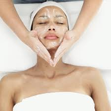 Face massage with mask